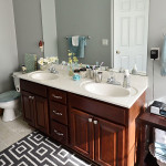 source: http://tidymom.net/blog/wp-content/uploads/2014/03/Clean-Bathroom.jpg