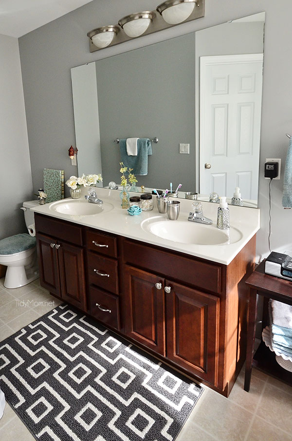 5 Squeaky Clean Bathroom Cleaning Tips